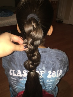 Pony Tail: Fine Braid with 1 Fine Strand
