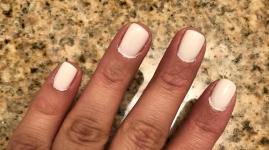 Essie: Marshmallow (white)